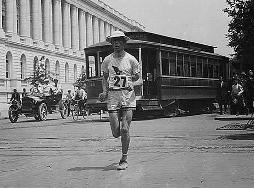 Elphinstone Winning Washington marathon (LOC)